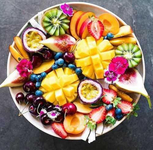 Frisches Obst enthält Enzyme